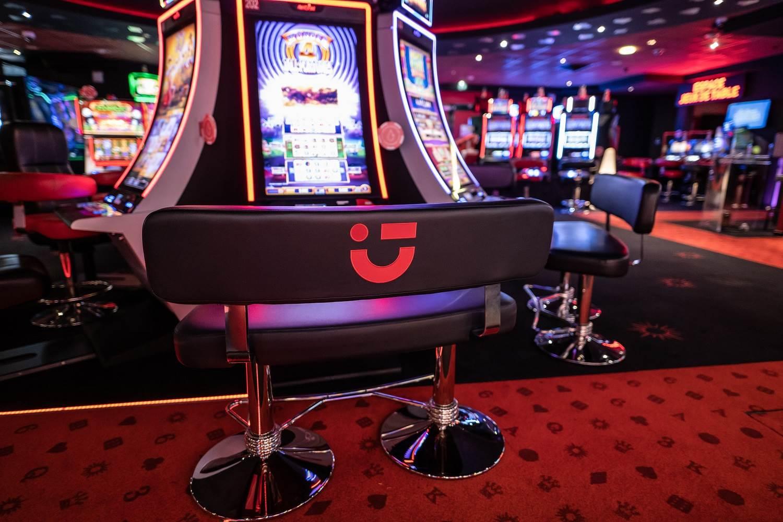 machines-casino-circus-carnac ©