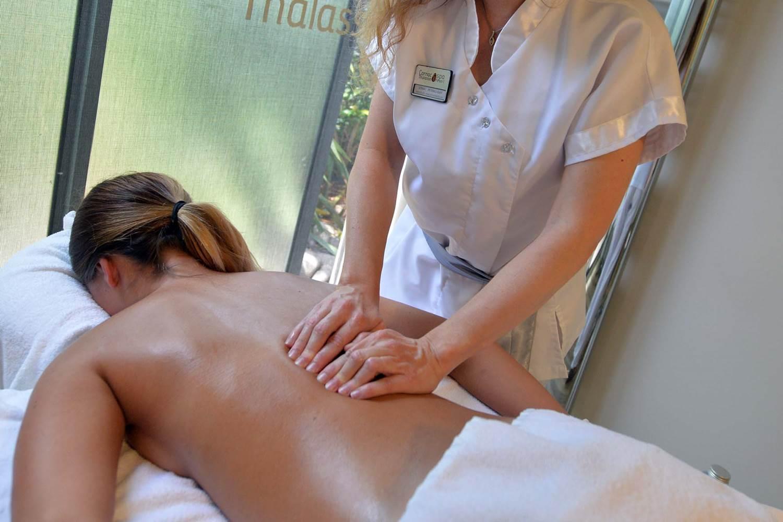 Thalazur-Carnac-massage-dorsal-Morbihan-Bretagne-Sud © Michel RENAC