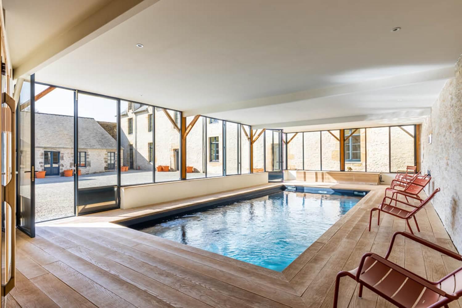 piscine-interieure-sauna-manoir-du-guern-pluvigner ©