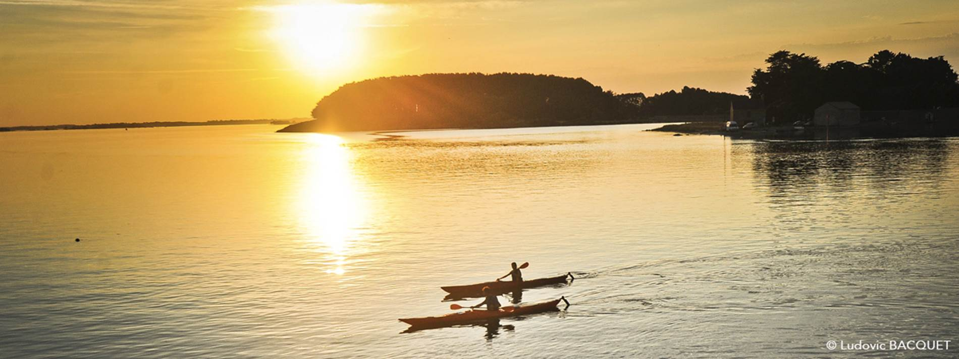 kayak-couche-soleil-golfe-morbihan copie ©