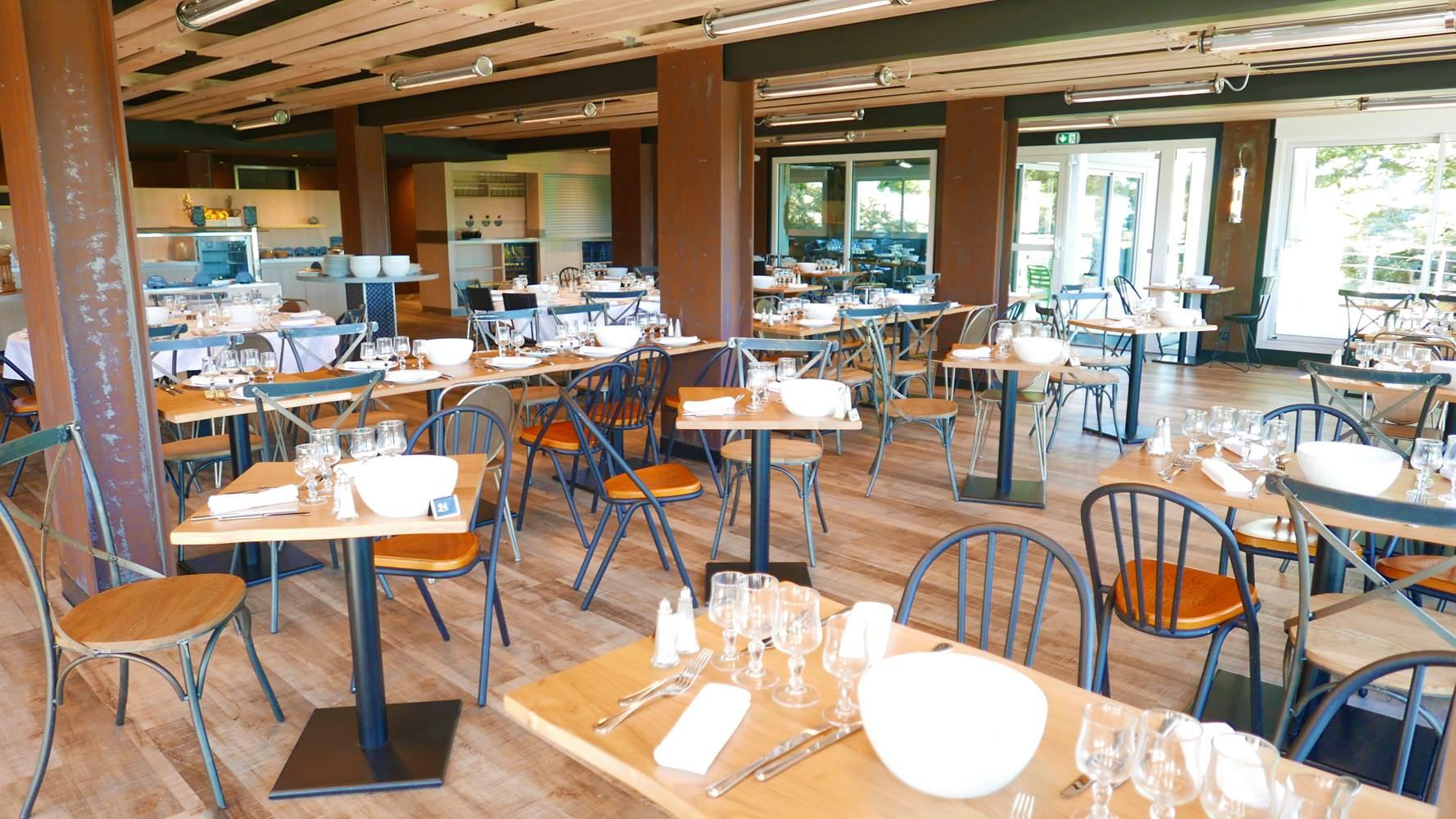 hotel-cardinal-restaurant-buffet-le-nautilus ©