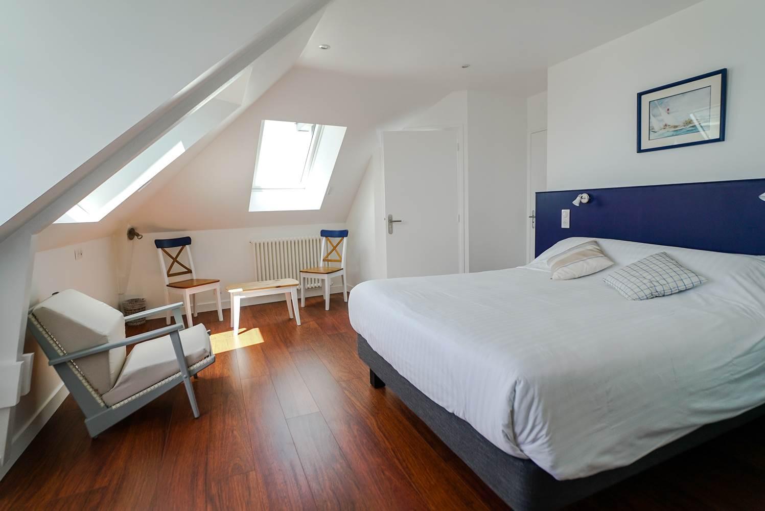 Hotel de la Citadelle - Bretagne sud - Lorient - Port Louis - Chambre Grand Confort Vue Mer 5 ©