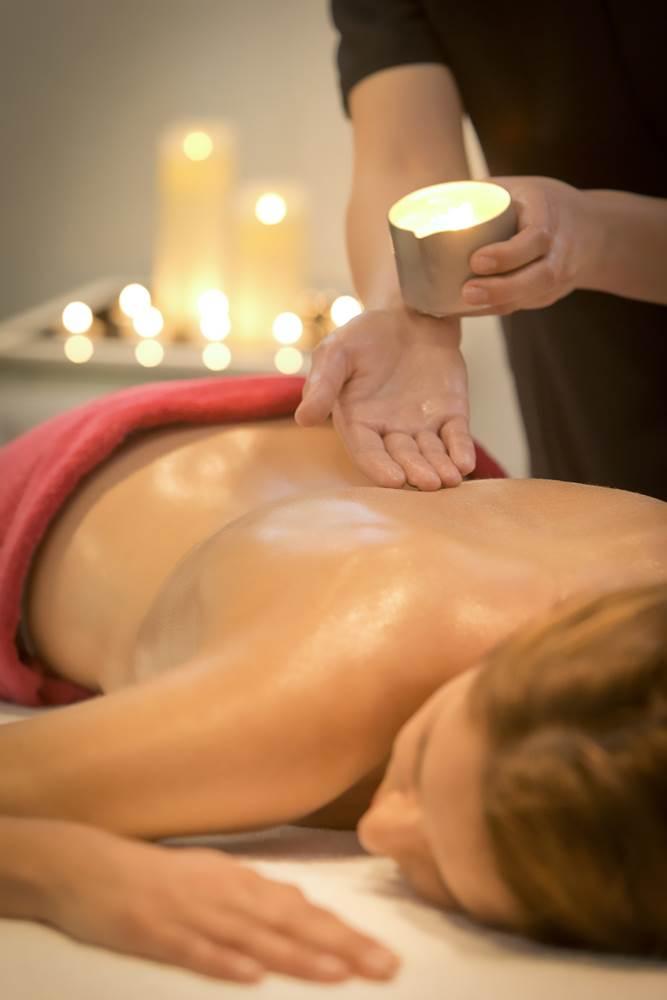 Massage-Bougie-Miramar-La-Cigale-Thalassothérapie-&-Spa-Arzon-Presqu'île-de-Rhuys-Golfe-du-Morbihan-Bretagne sud © Serge Detalle