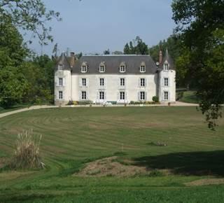 DE RAGUENEL - Le Château de la Ville Huë - Grand-mère Charlotte