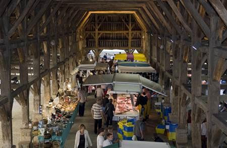 Marché régional du lundi à Questembert